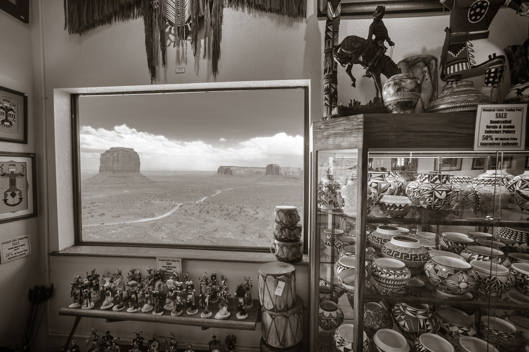 Navajo Gift Shop  Monument Valley, UT 2011