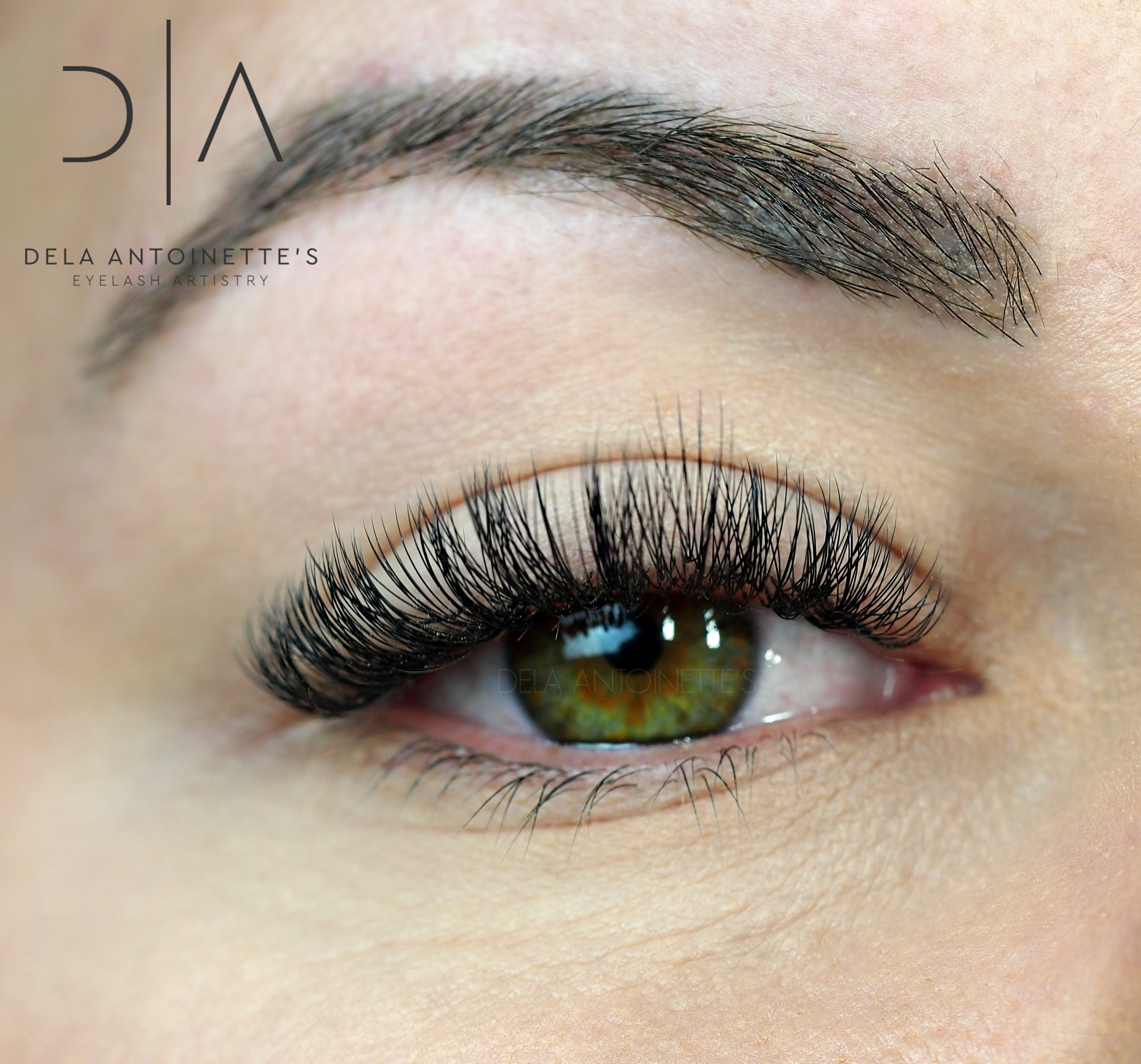 Volume lashes using a C curl