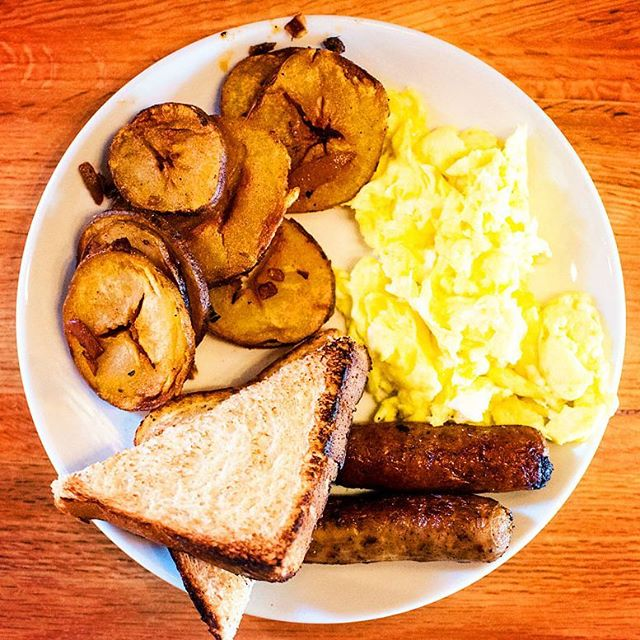 Come try our traditional Boston Breakfast everyday from 6:30am thru 11:30am. #besteggsever #everythingsdelicious
