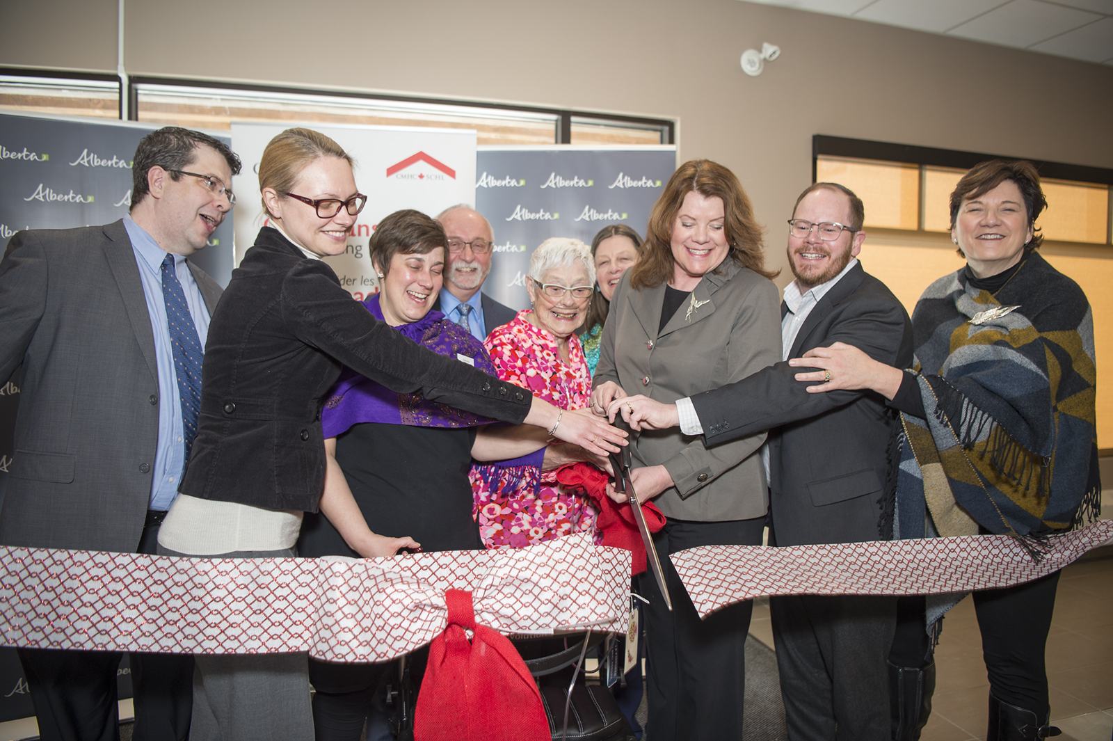 Ribbon cutting BVLodgePhase1_pamdoyle c.jpg