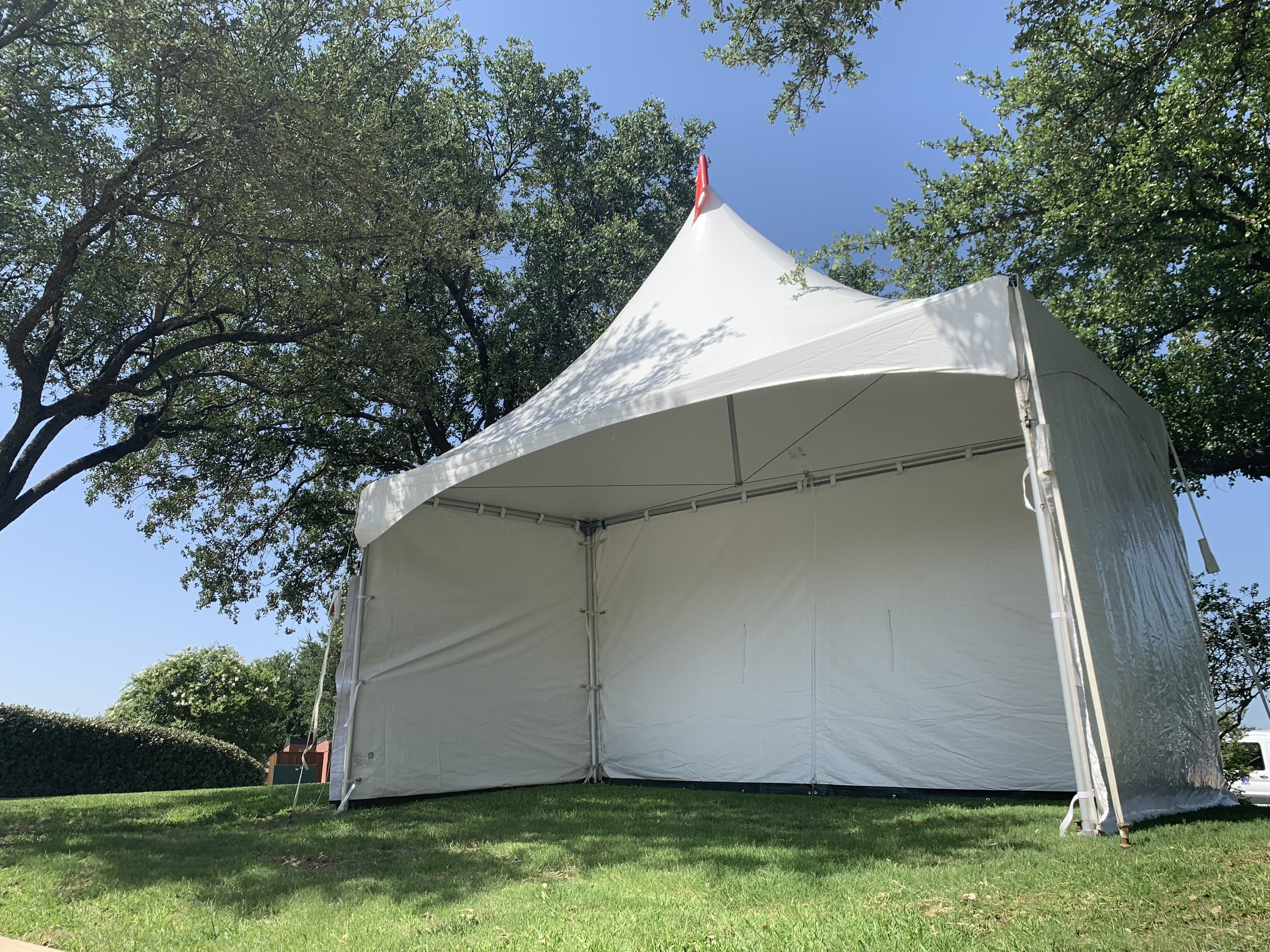 10x20 tent rentals for weddings in Dallas.jpg