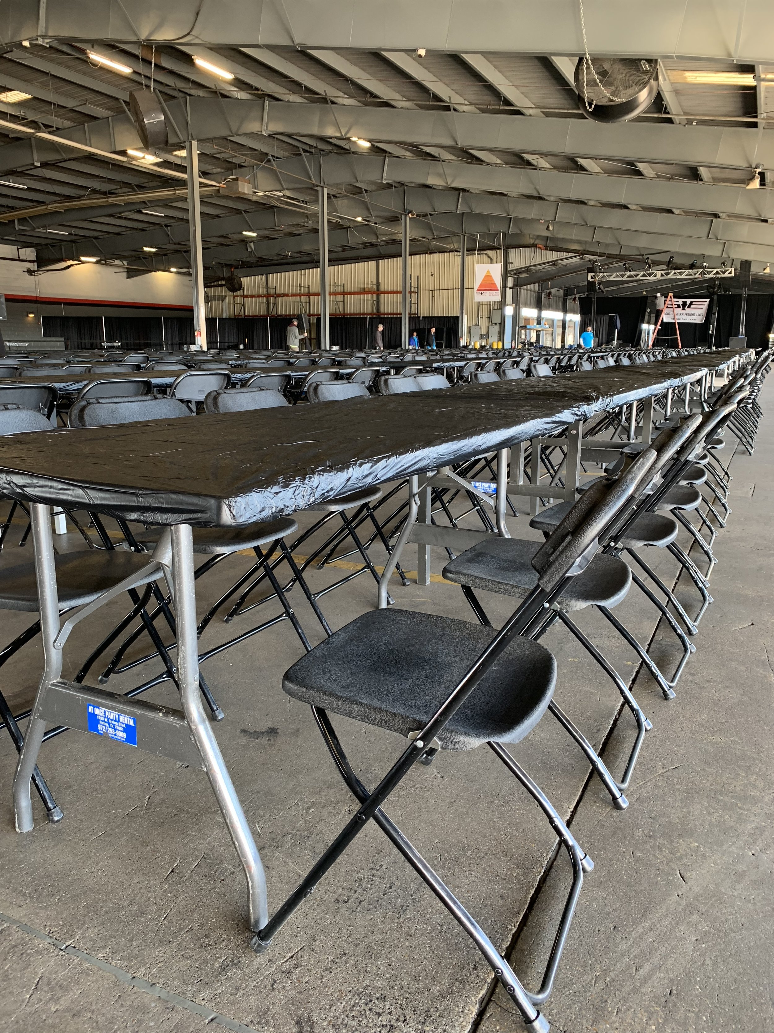 chairs and table rentals dallas.jpg
