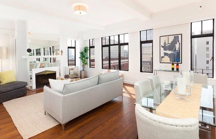 Under $700K in San Francisco!!?? So much to love about this corner-unit with bright, remodeled interiors and enchanting south/east views of downtown SF! Repped by Dan Risman-Jones    San Francisco   #homesbydkcowles  #dkfindshome