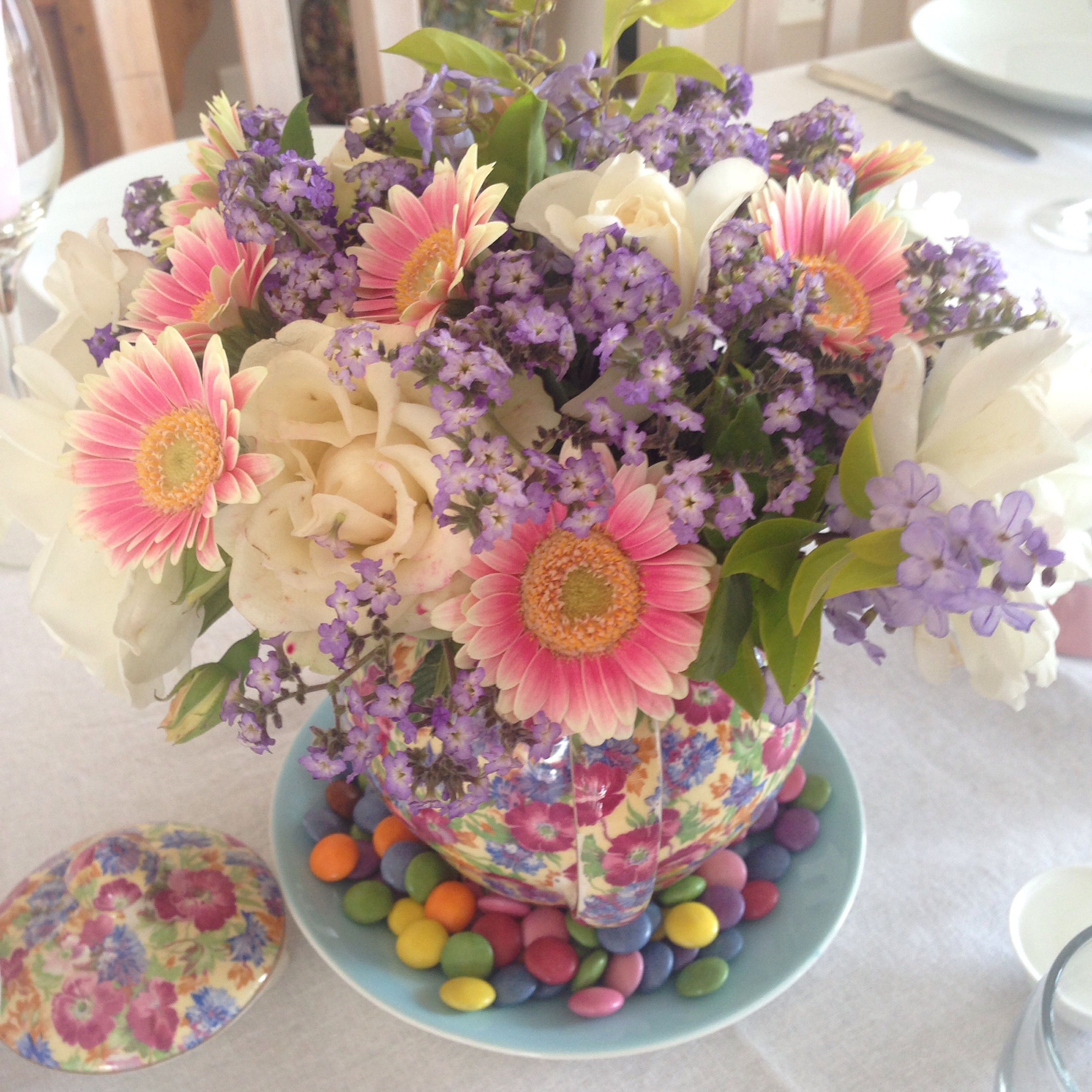 Easter Table using teapot