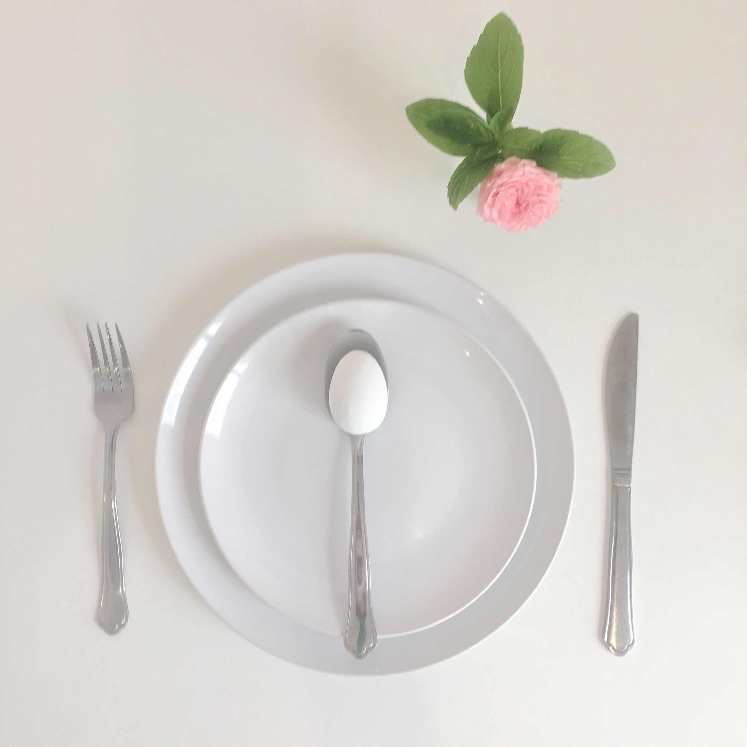 Easter Place Setting using single egg