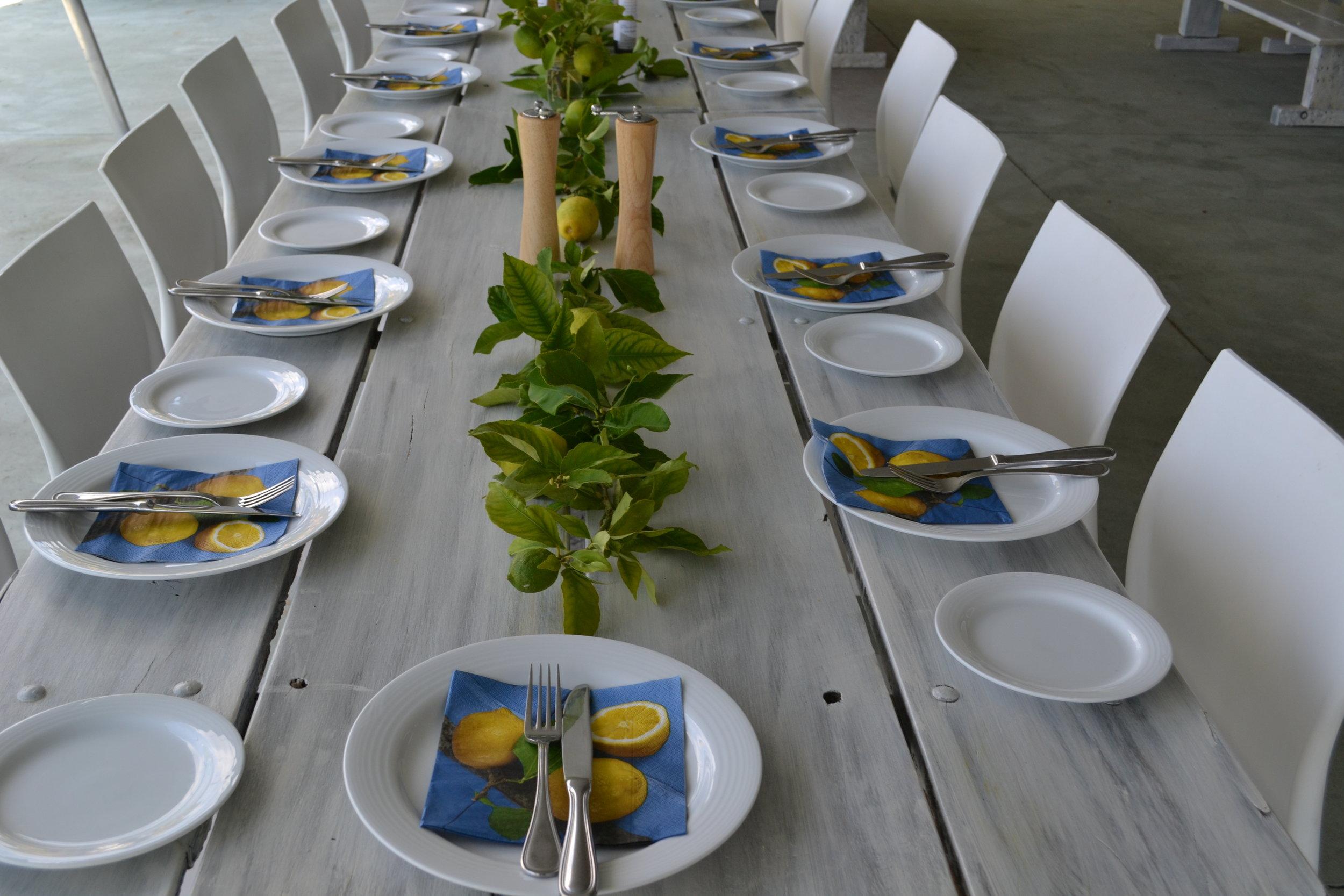 lemon table decor