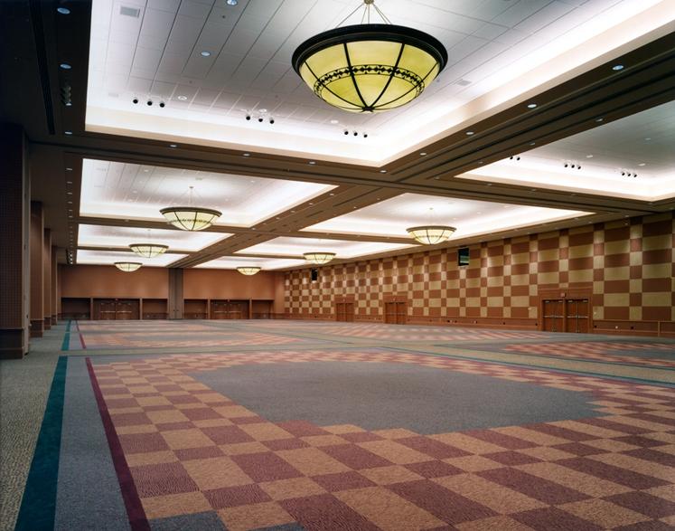 537IE-ballroom2-edited.jpg