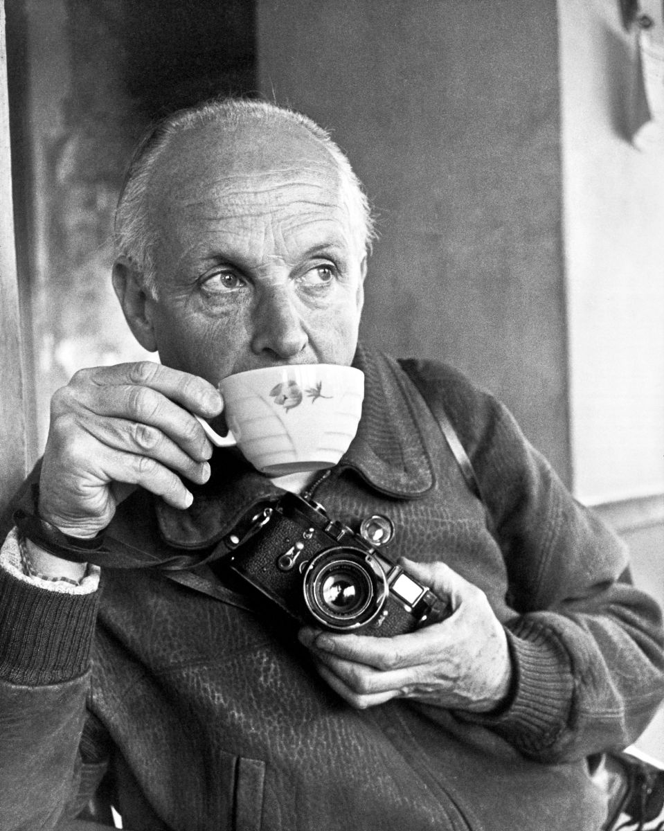 Henri Cartier-Bresson sipping coffee