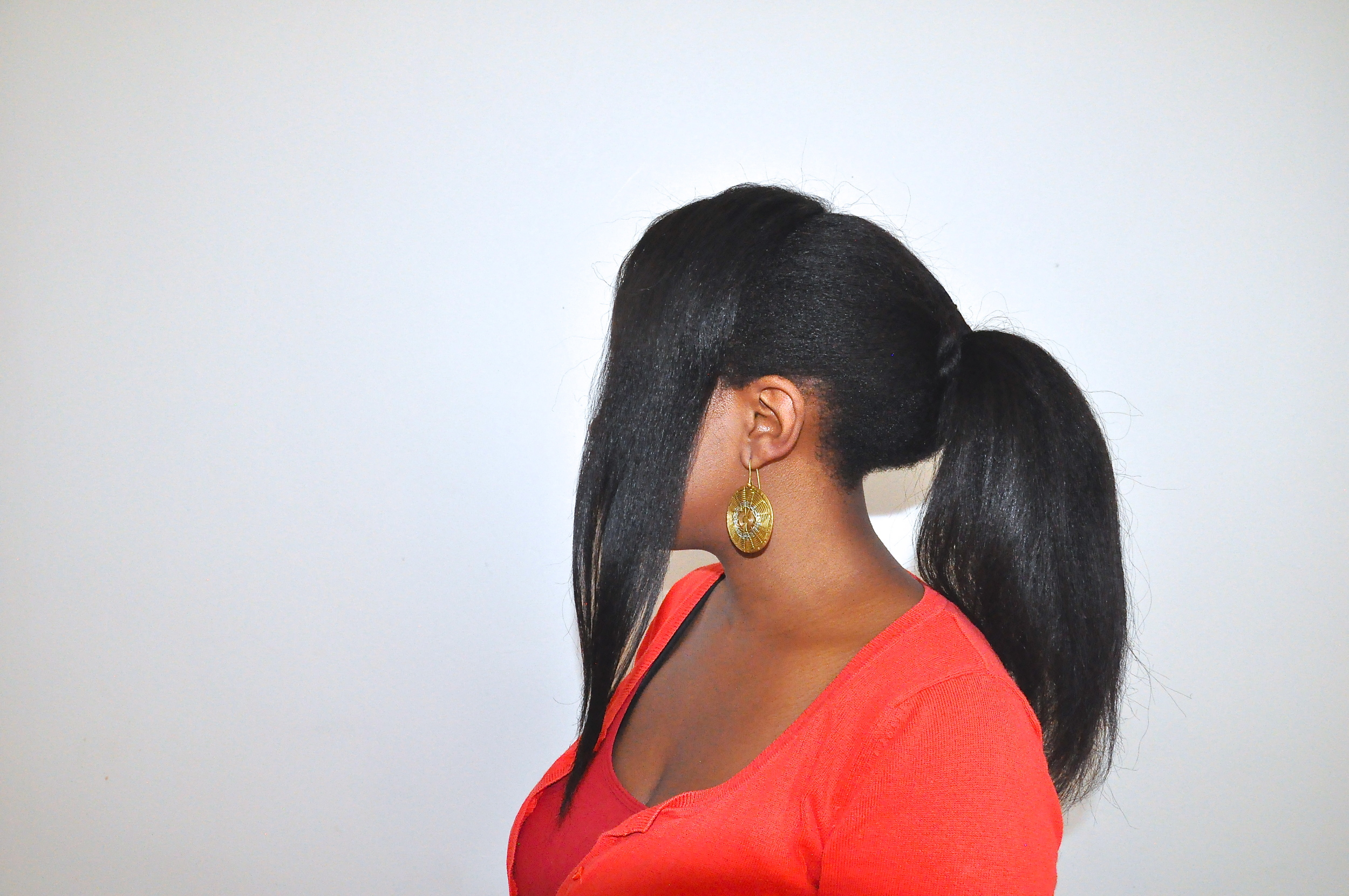 MY CROWN AND NAPE ARE DIFFERENT LENGTHS DUE TO SHRINKAGE. GOTTA LOVE IT!