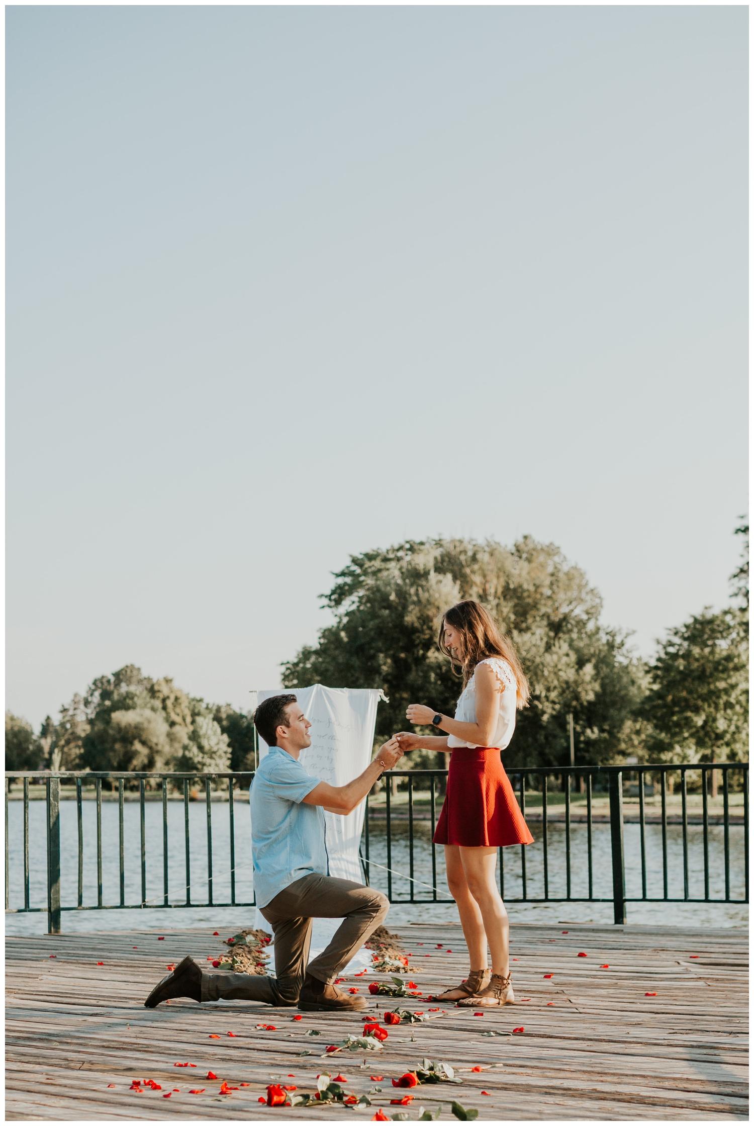 MatthewLaurel-WashPark-Engagement_0003.jpg