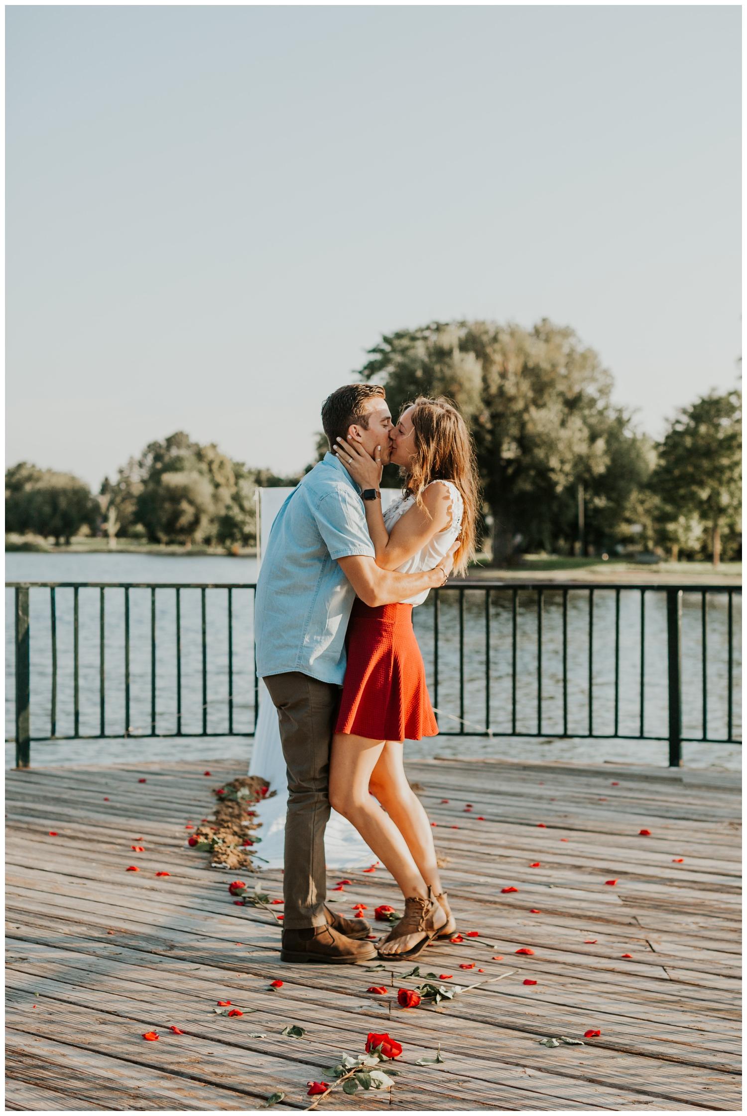 MatthewLaurel-WashPark-Engagement_0004.jpg