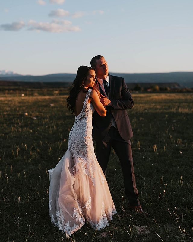 Cue Golden Hour by Kacey Musgraves ✨⠀ _⠀ #coloradoengagementphotographer #coloradoengagement #coloradoengagementphotos #coloradowedding #coloradoweddingphotographer #denverweddingphotographer #denverbride #boulderweddingphotographer #vailweddingphotographer #aspenweddingphotographer #coloradocouple #breckenridgewedding #coloradobride #denverbrides #weddingdressesofficial #rockymountainbride #weddingphotomag #muchlove_ig #momentsovermountains #thatsdarling #heywildweddings #coloradoelopement #coloradoelopementphotographer #coloradobridesmag #authenticlovemag #dirtybootsandmessyhair #belovedstories #radlovestories #palmspringswedding