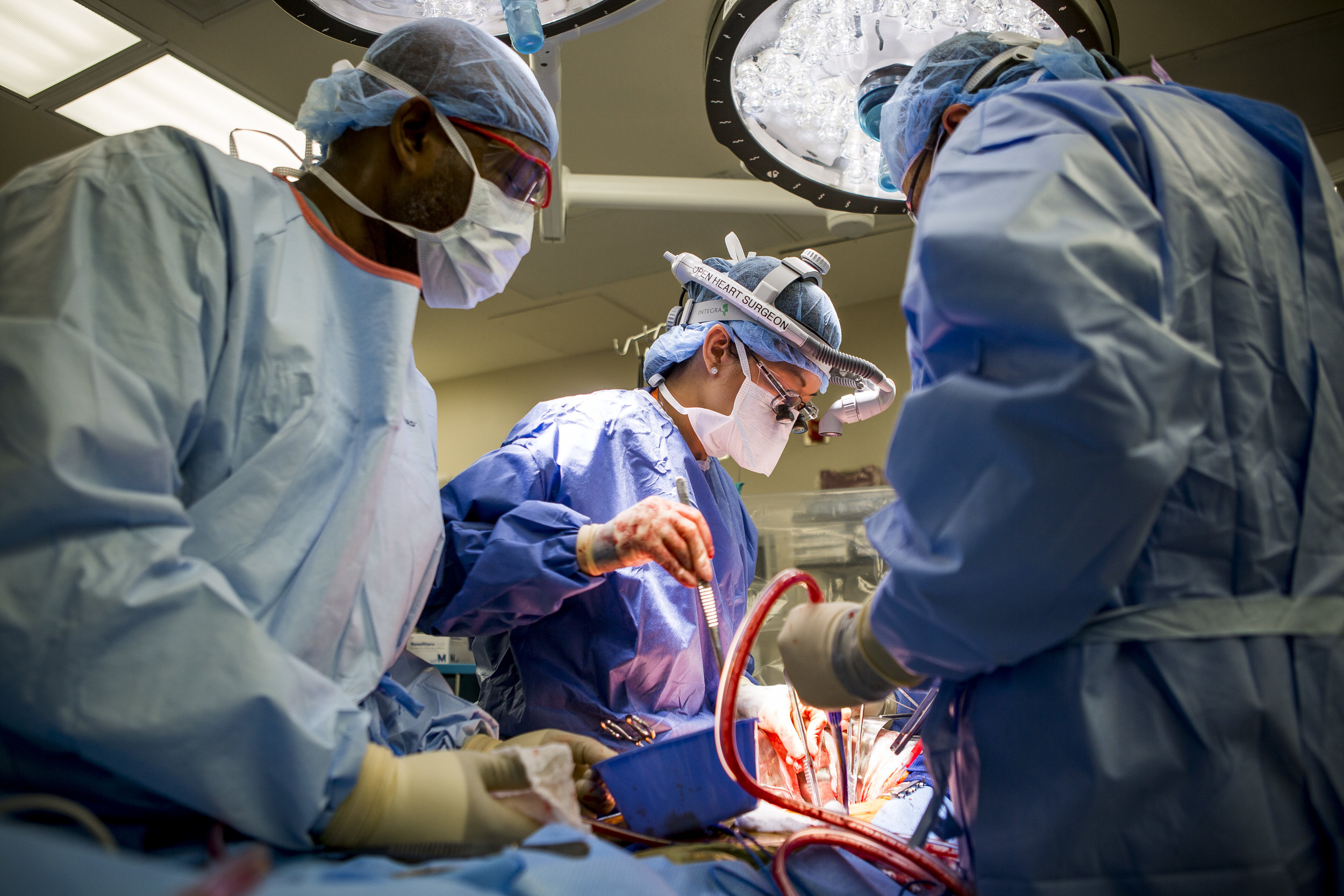 Dr. Quynh Feikesm, center, performs a surgery to fix an abdominal aneurysm with assistance from John Cousett, left, a Certified Heart Scrub Tech and assistant Tracy Blankenship at University Medical Center on Tuesday, May 23, 2017. Dr. Feikes is the only female cardiac surgeon in Nevada. Patrick Connolly Las Vegas Review-Journal @PConnPie