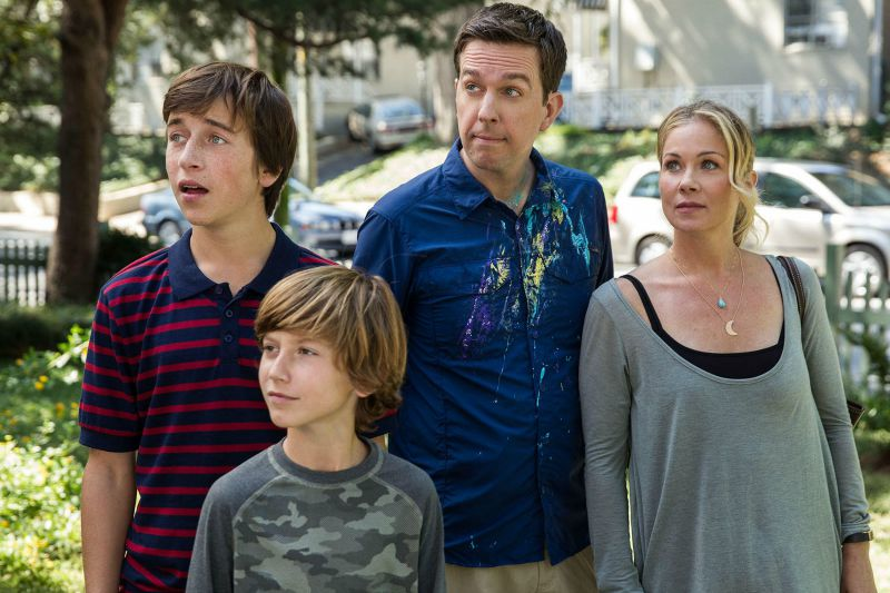 The cast of the reboot of the Vacation franchise, including Ed Helms and Christina Applegate (Image  © Warner Bros.)