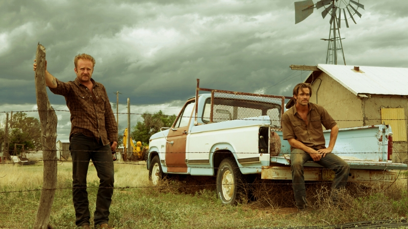 Ben Foster and Chris Pine star, along with Jeff Bridges (off screen somewhere, abiding) in  Hell or High Water  (Image © Lionsgate).