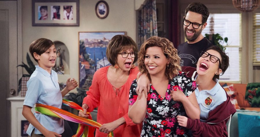 The cast of the Netflix reboot of  One Day at a Time , including Rita Moreno and Justina Machado (Image © Netflix).