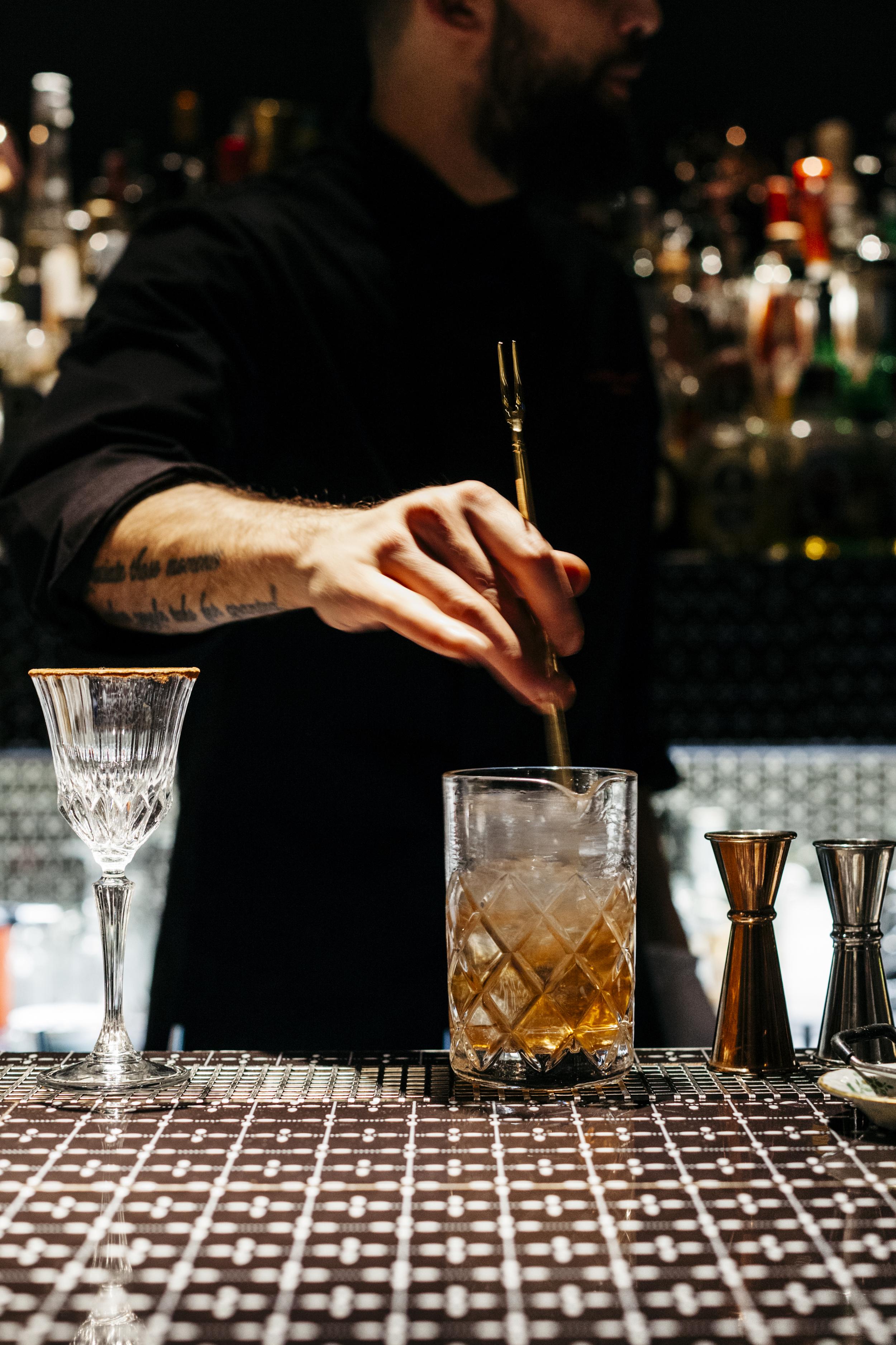 Carlo e Camilla in segheria - Bar