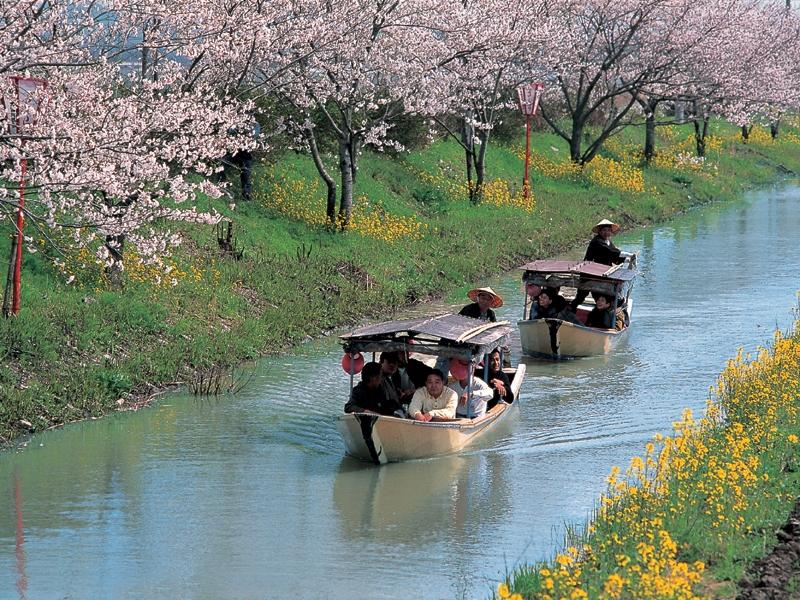 Ohmi Hachiman Canal & Lake Biwa