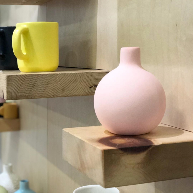 F+F @ AD Design Show - Talk about a busy month!On top of everything else, we hunkered down for a weekend at the AD Design Show to show off to visitors our new colorway, experimental finishes and forms, as well as classic Felt+Fat wares in a full range of glazes.