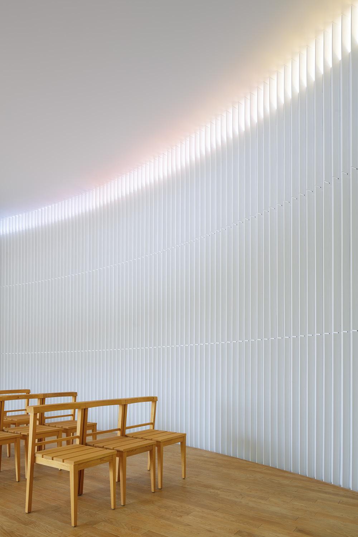 2_Rainbow_Chapel.jpg