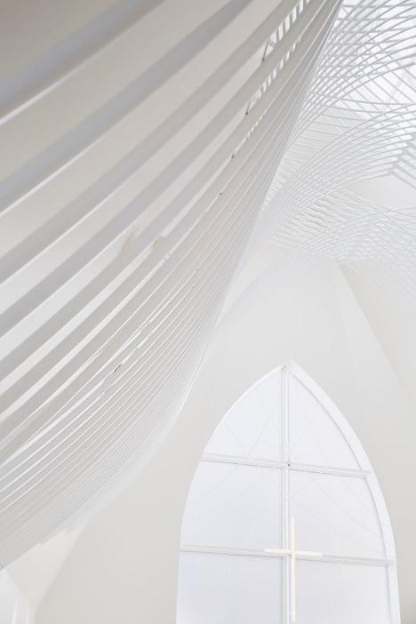 Chapel-in-Japan-by-Eriko-Kasahara_dezeen_468_5.jpg