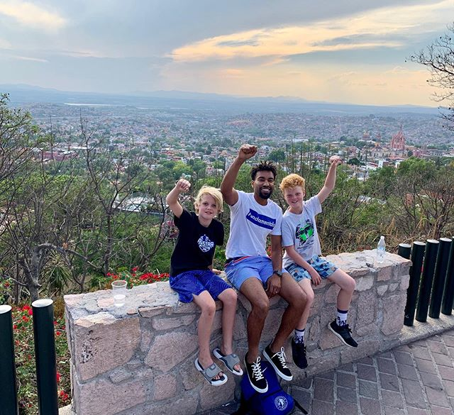 Sitting on top of the world! ✨🌤⛹️‍♂️🇲🇽#sanmigueldeallende #mexico #coachomar #fundamentals