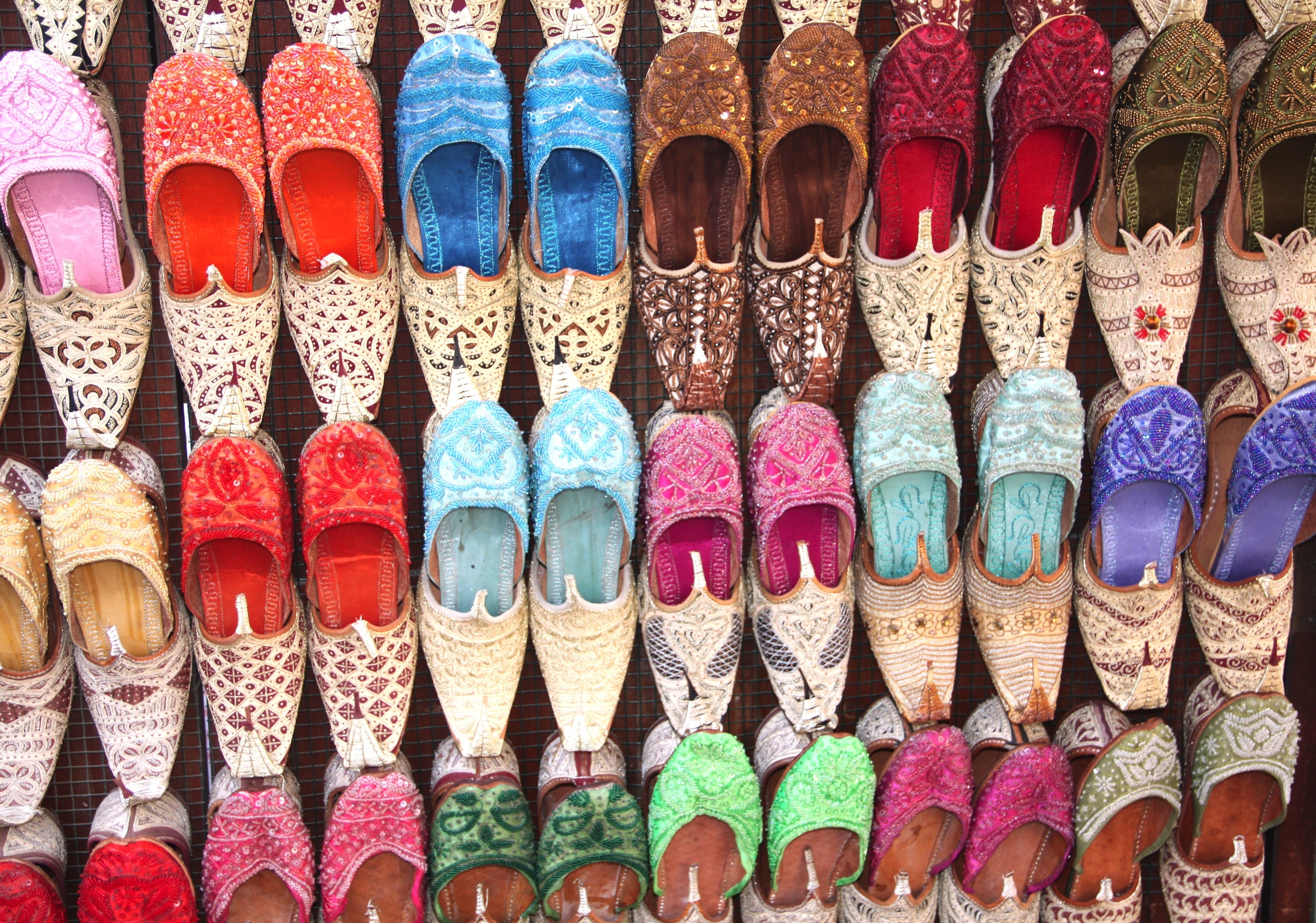 Slippers to Buy  M102