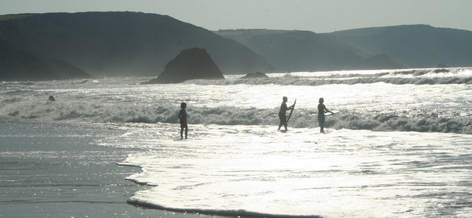 home hero master surfers.jpg
