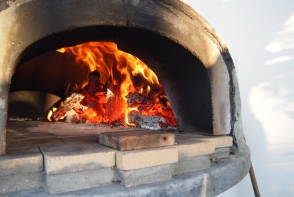 How many houses can you find in Italy let alone the UK with a wood fired oven. Priceless