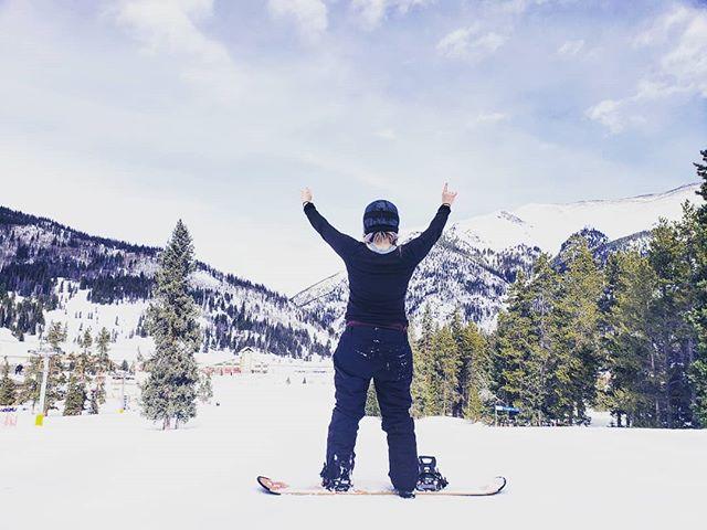 Crushing it. It was a good day. 🏂 . . . . #copper #colorado #findyourself #dailyinspiration #snow #travelmore #wonderlust #expandyourplayground #explore #experience #travel #wanderlust #travelgram #travelgirl #outdoors #adventurethatislife #snowboard #mountain #crush #travelphotography #love #winter #naturelover #adventure #send #wander #photooftheday #sendit #snowboard🏂