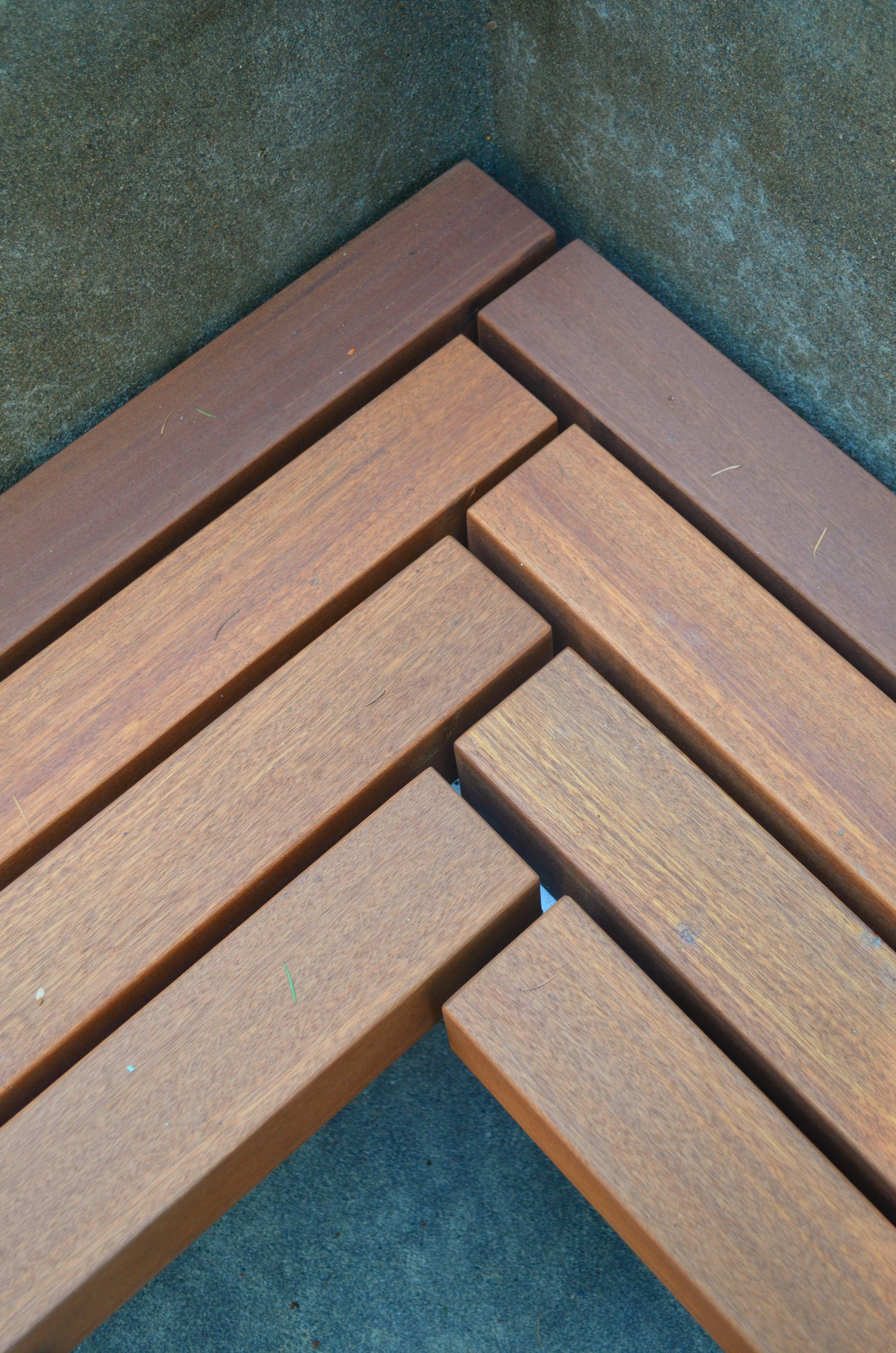 Batu Wood Bench Detail
