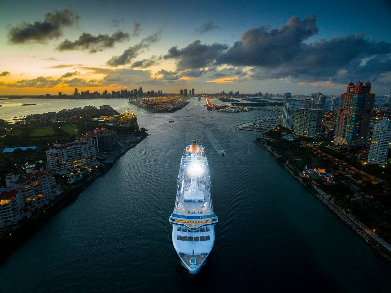 Cruise ship in Miami. Photo by iMaerial_com, taken at 131 feet.
