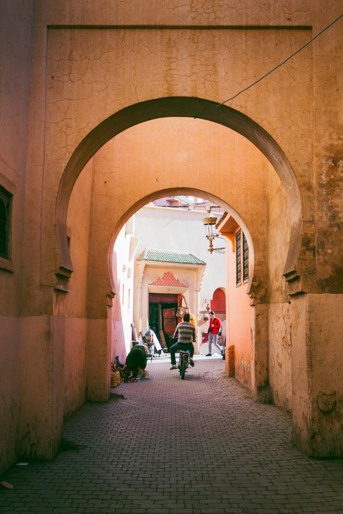 marrakechmedinastreetarches.jpg