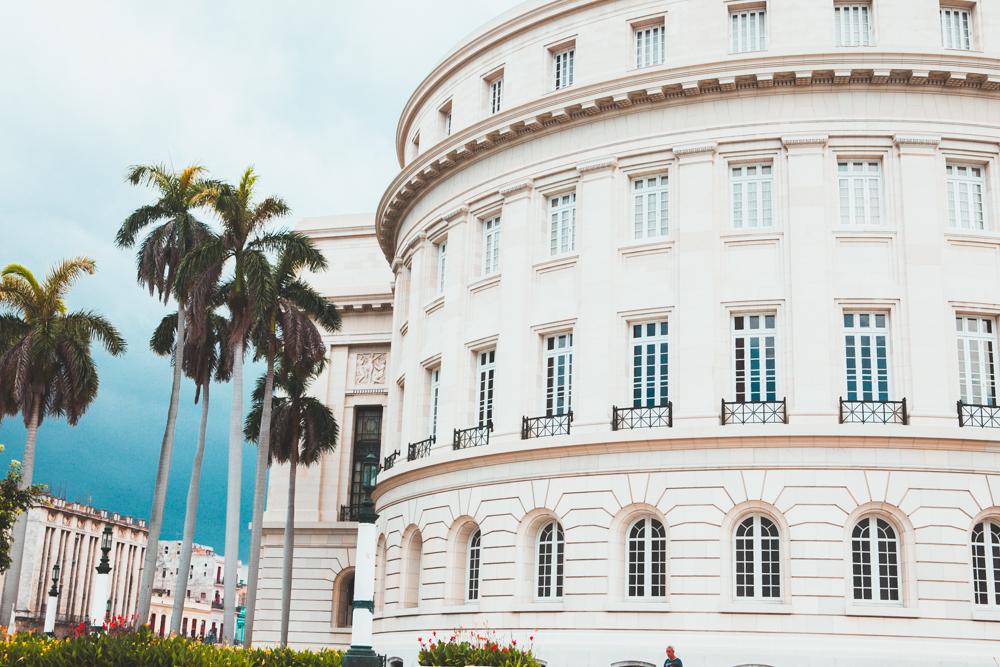 HavanaCubacapitoldbuilding.jpg