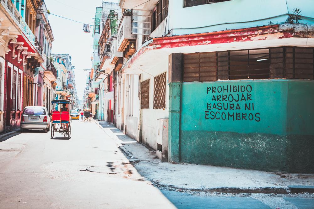 HavanaCubaOldHavanastreets.jpg
