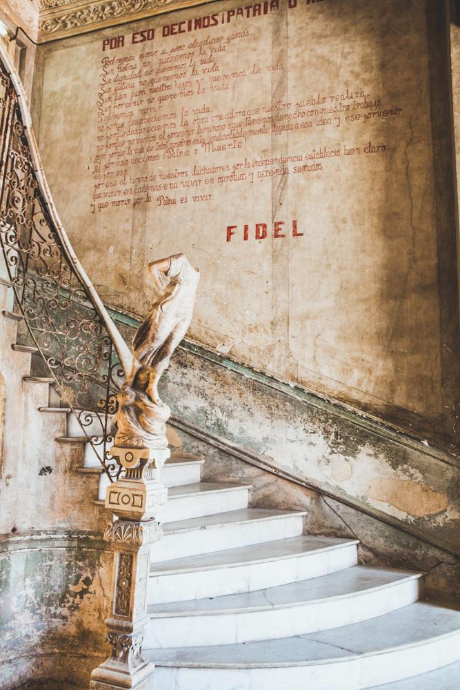 HavanaCubalaguardiastaircase2.jpg