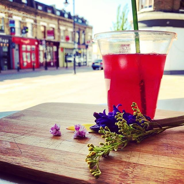 Our Red berry and flower #lemonade is now available at our London site and it's SUPER refreshing!  #summer #summerdrinks #cwtchmeifyoucan