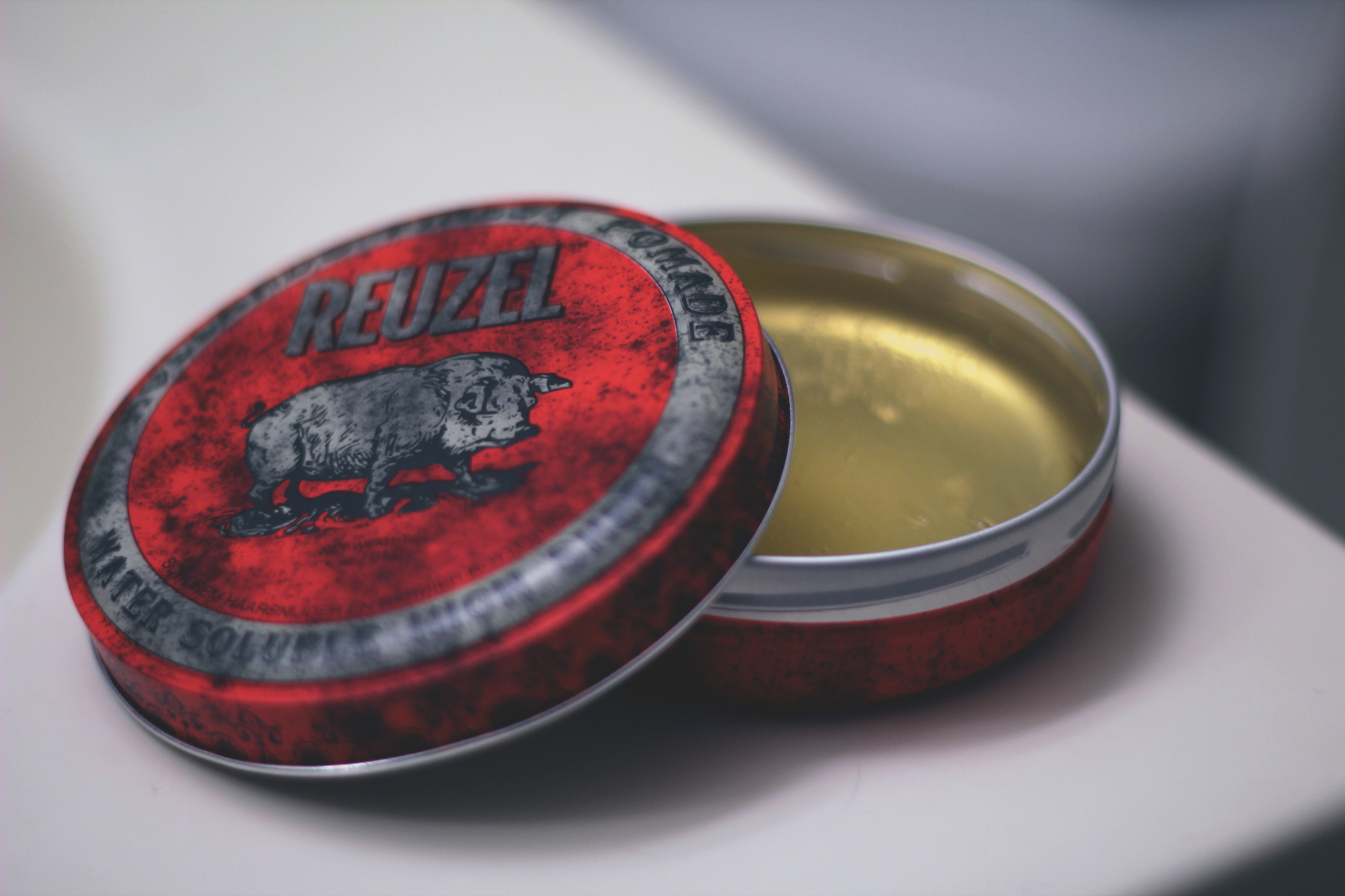 Reuzel Water Soluble High Sheen Pomade texture