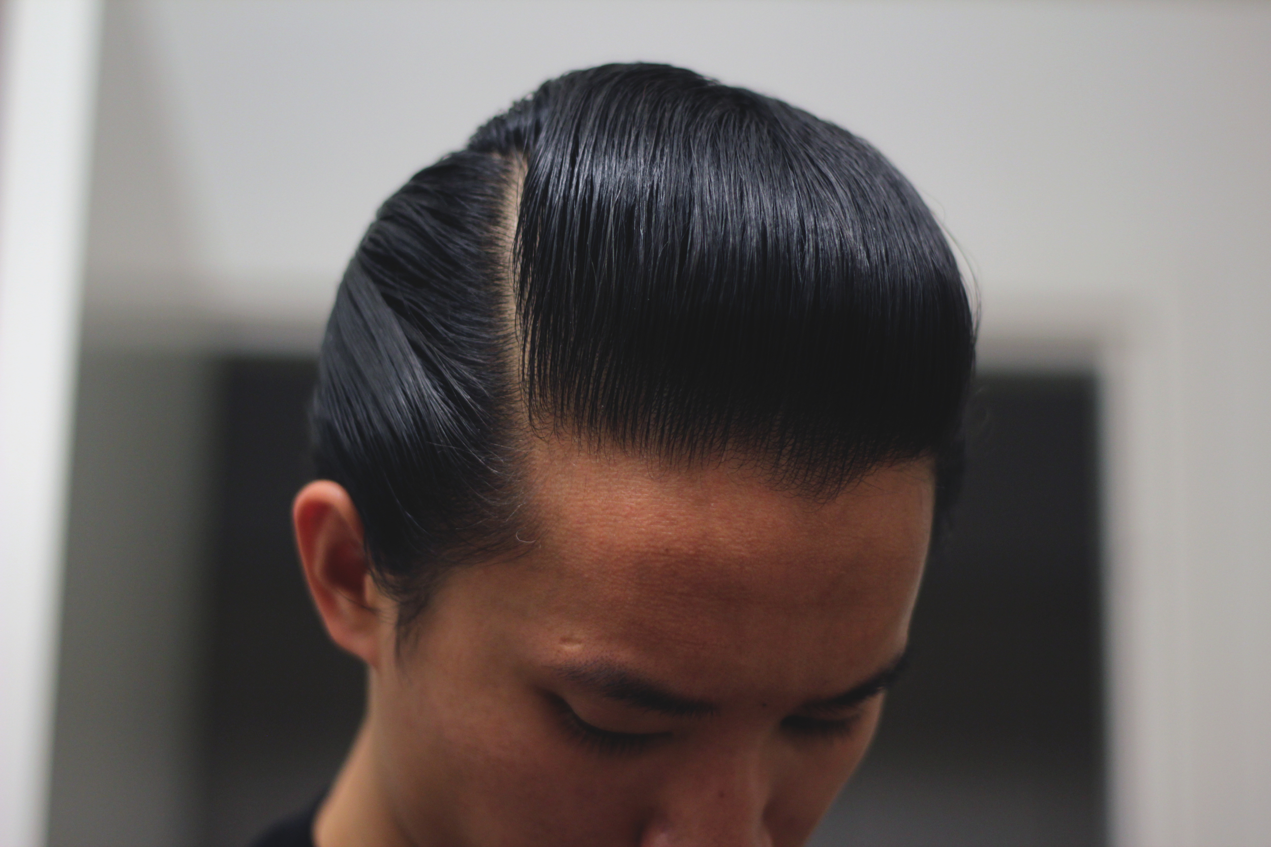 Reuzel Water Soluble High Sheen Pomade part