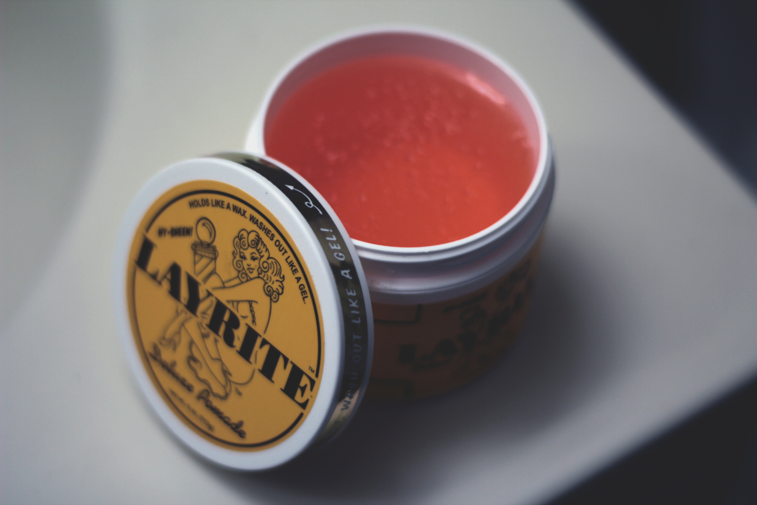 Layrite Deluxe Pomade texture