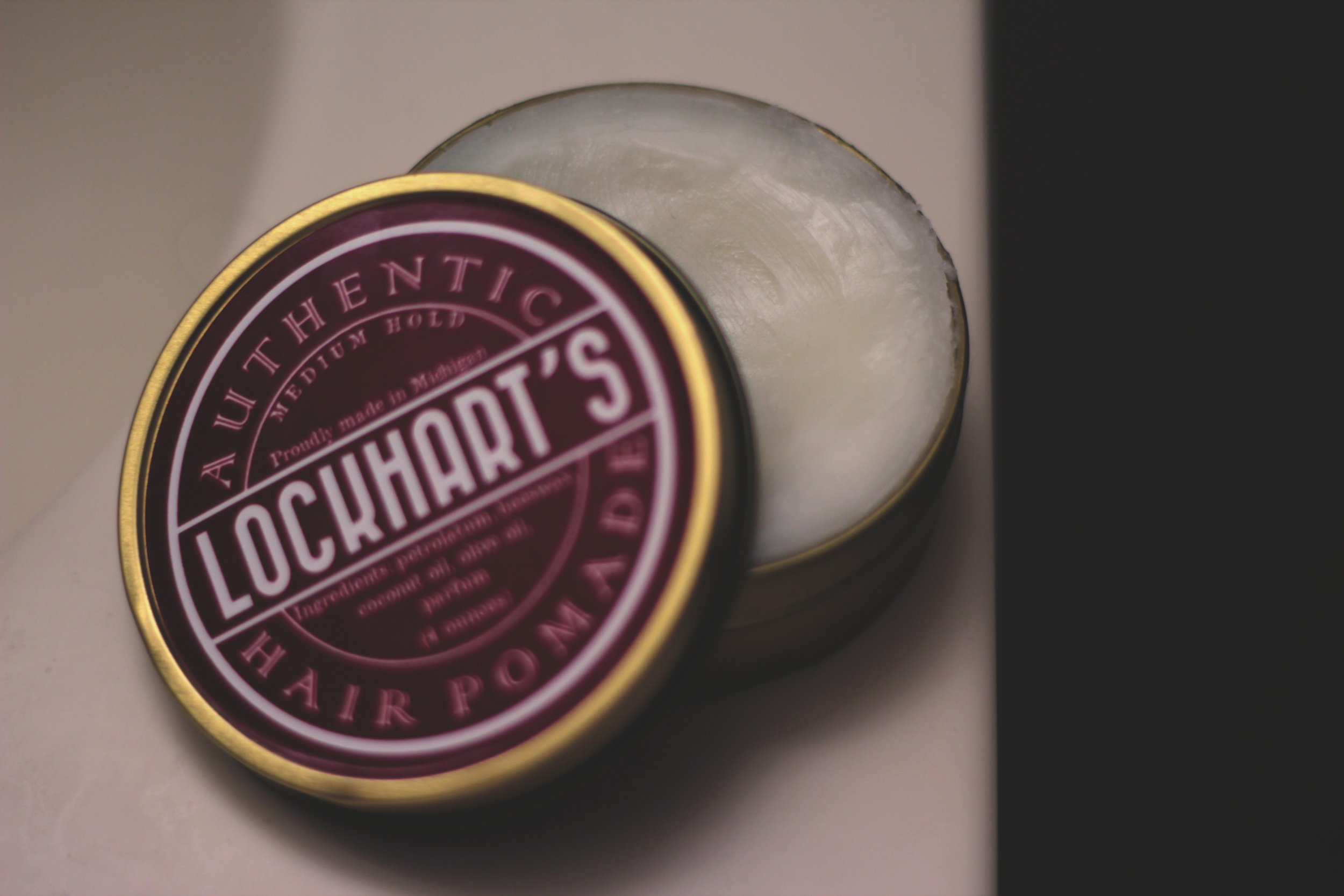 Lockhart's Authentic Hair Pomade Medium Hold - texture