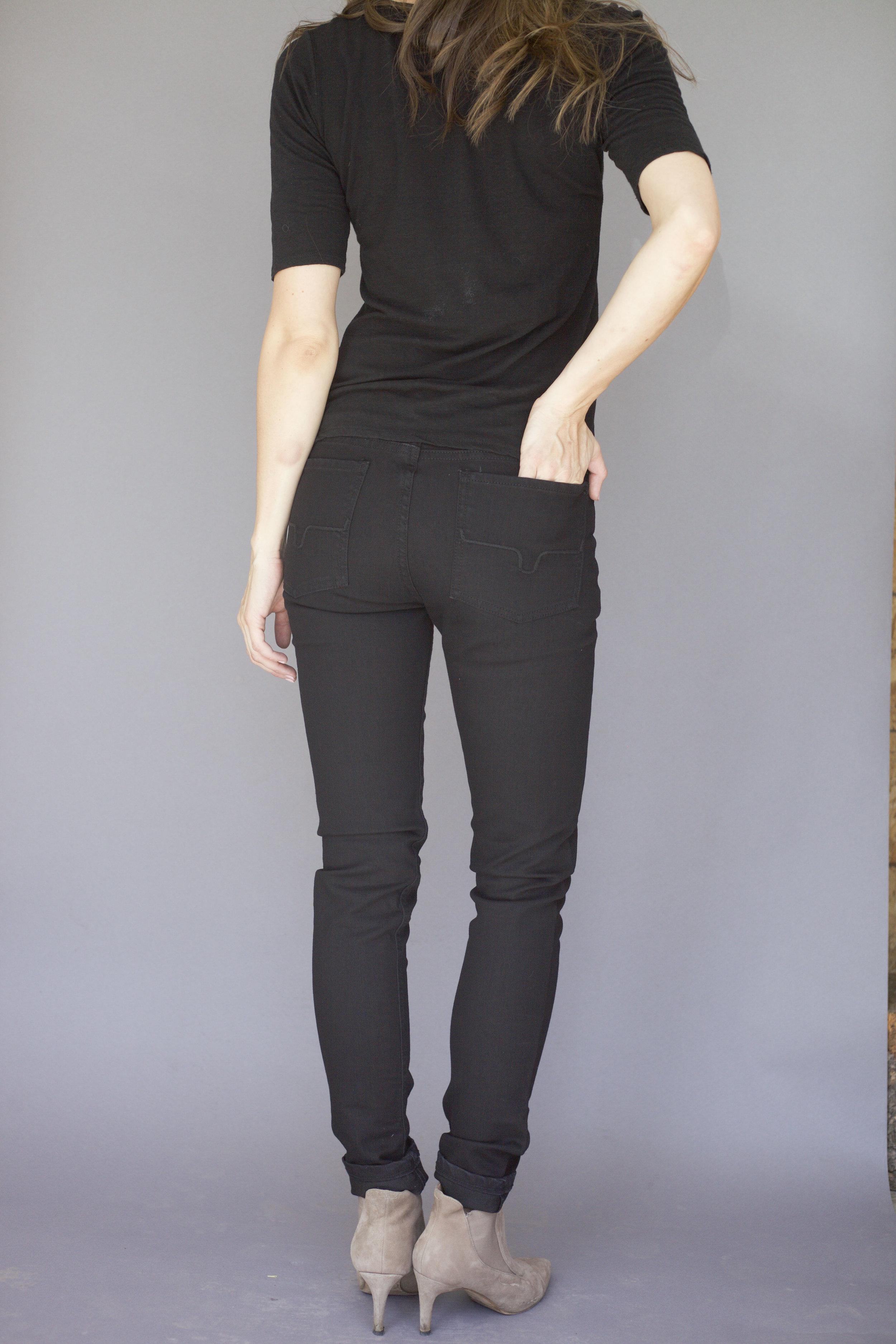 Bonnie in black