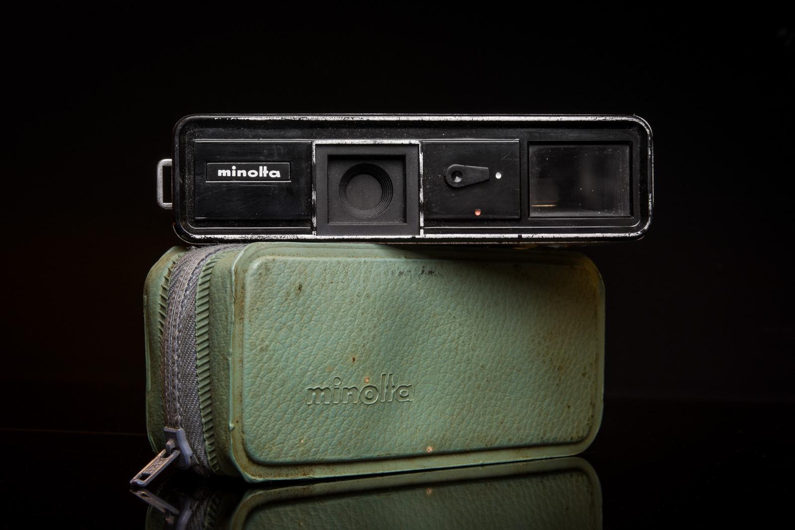 DSC_6978-cameras_sml-2.jpg