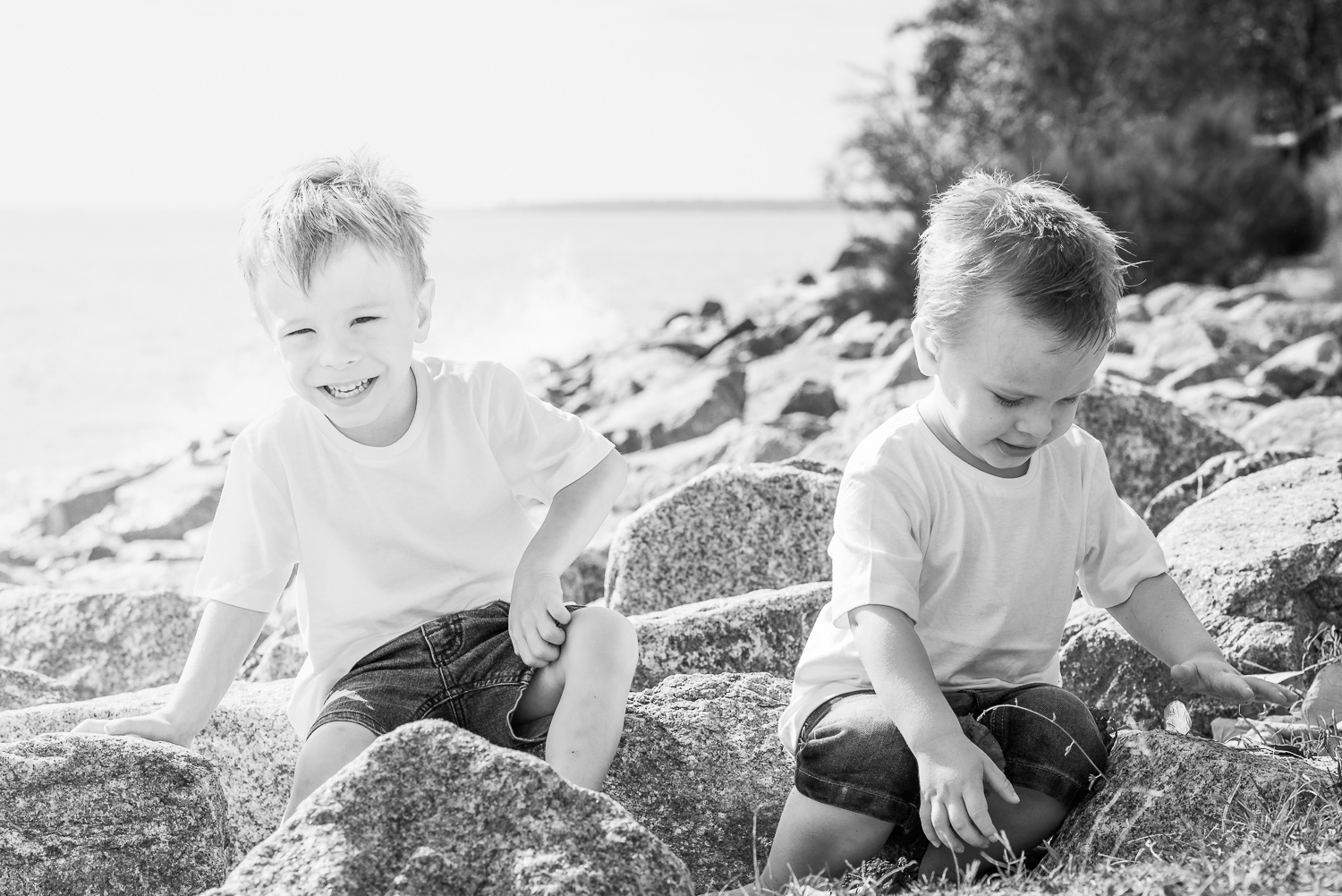 Black and white candid children playing at the beach at Shorncliff  Stuart C Photography  Caboolture Outdoor Portrait Photographer  Caboolture outdoor family photographer, Caboolture outdoor family photography, Caboolture outdoor family photos, family photos Caboolture, family photographer Caboolture, family photography Caboolture, outdoor family photographer Caboolture, outdoor family photography Caboolture, outdoor family photos Caboolture, Caboolture photographer
