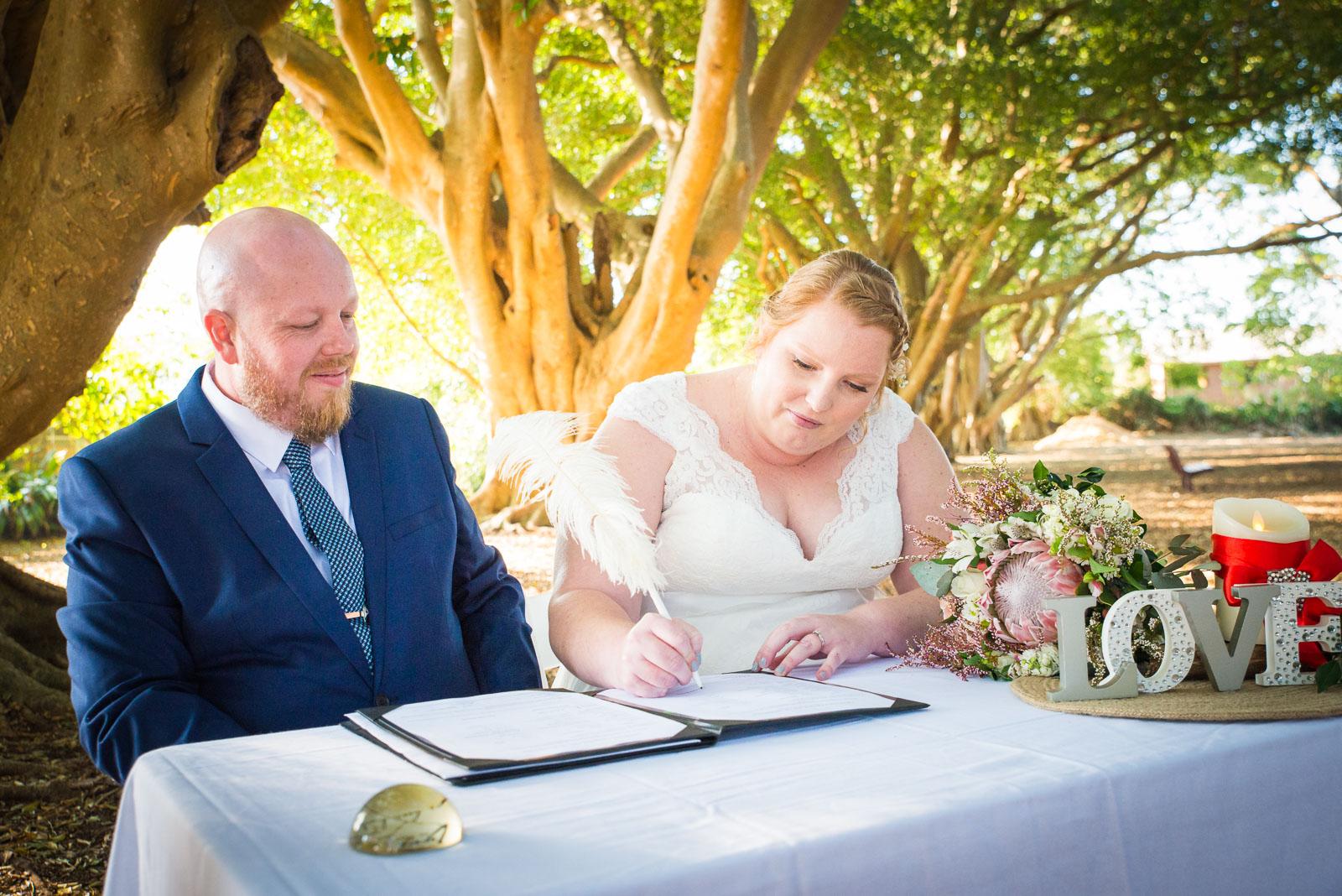 Wedding ceremony in Wirreanda Park in Buderim