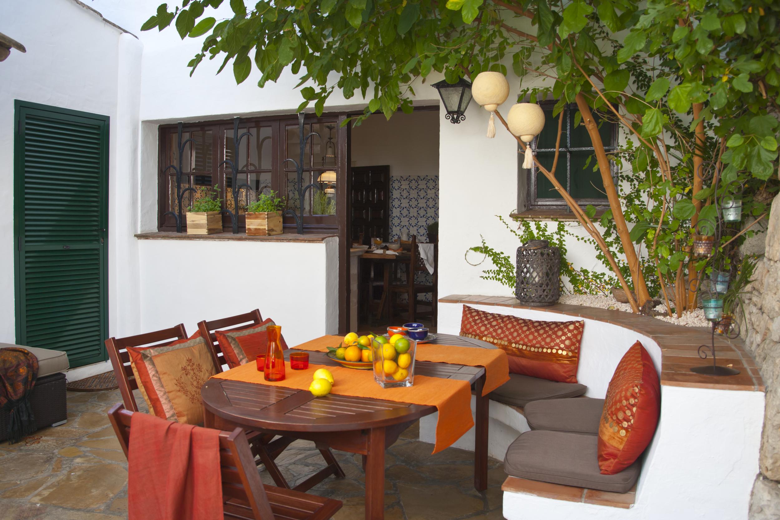 38 Masia Pairal lounge outside kitchen.jpg