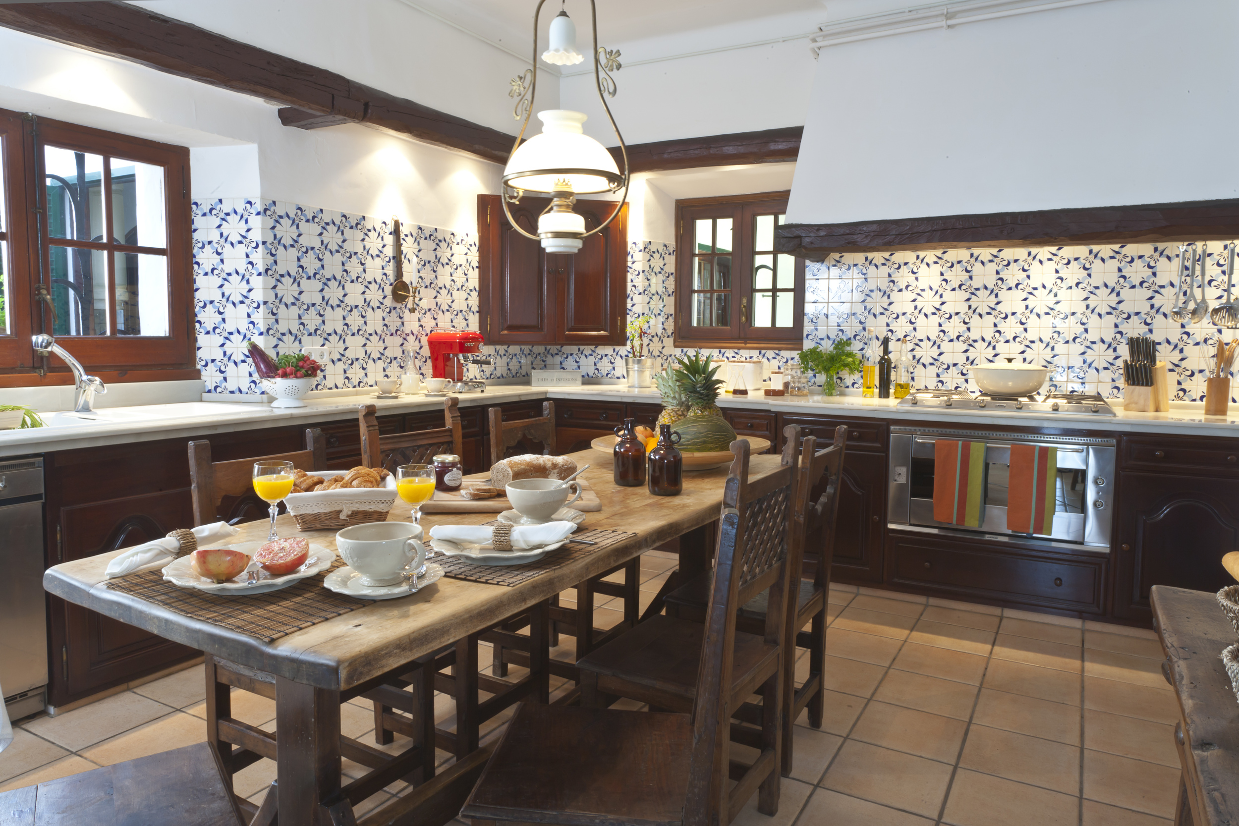 44 Masia Pairal fully equipped kitchen.jpg