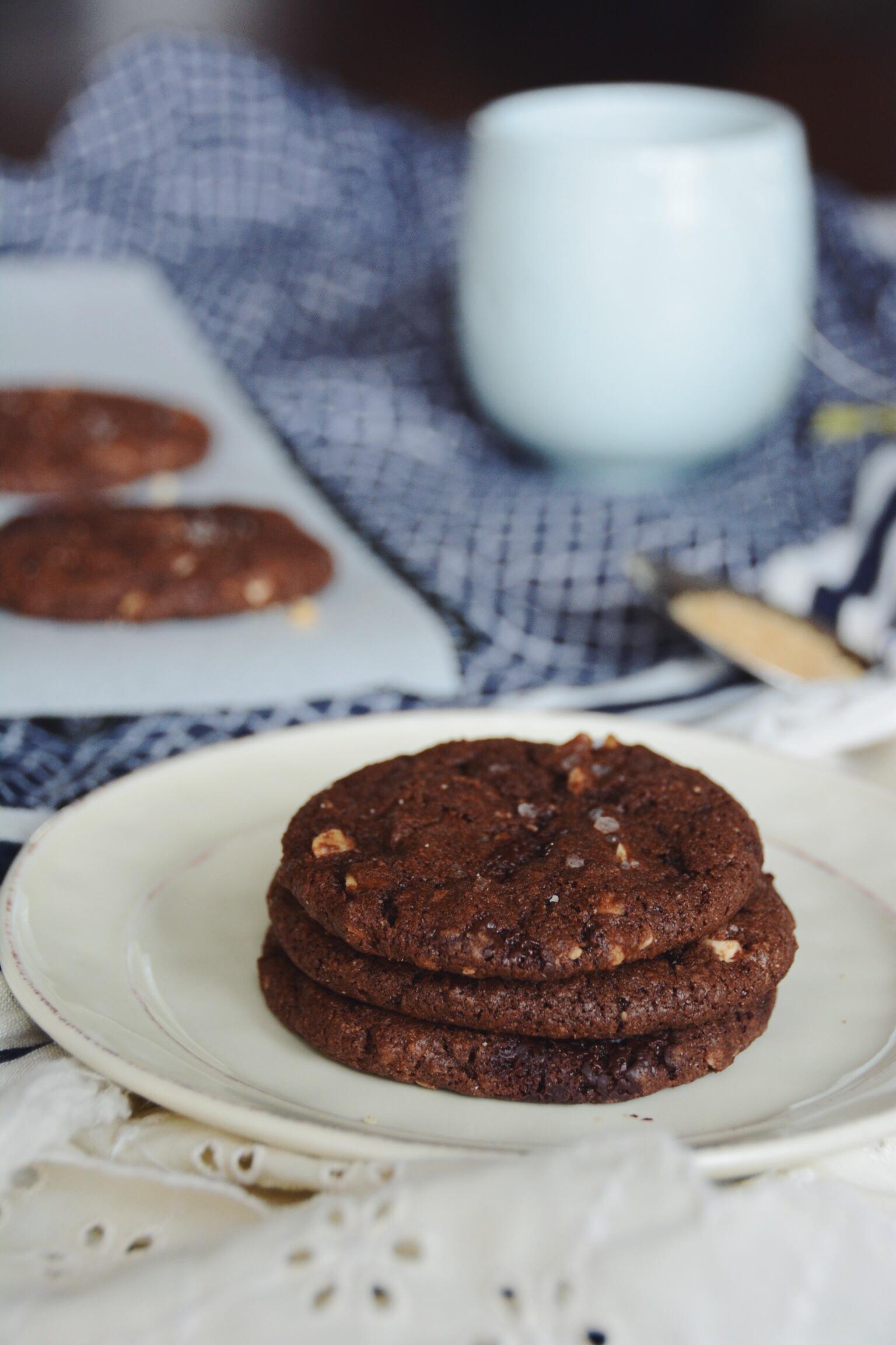 dark chocolate hazelnut cookies | doughing it right