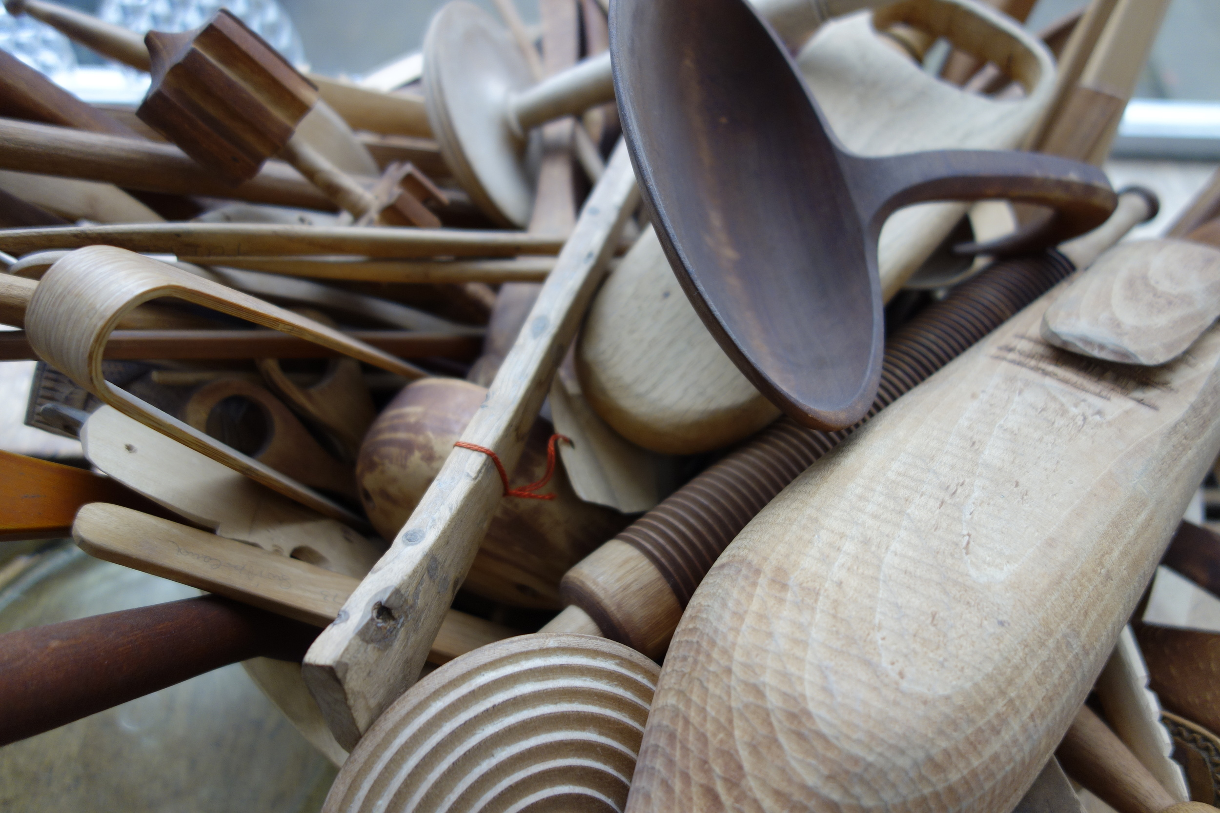 2 WILLOW ROAD WOODEN TOOLS DETAIL