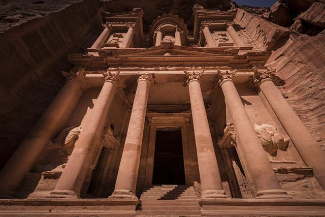 These tombs lasted several thousand years. Can you imagine living in the past? Without instagram? 😱